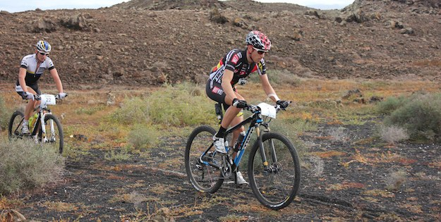 Stiebjahn_hinten_Mantecon_vorne_Lanzarote13_acrossthecountry_mountainbike_xco_by ClublaSanta