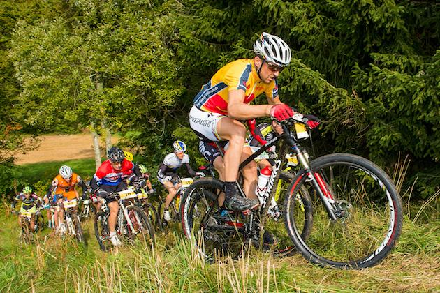 120923_GER_TransZollernalb_Stage3_Albstadt_Hechingen_Sauser_uphill_chasers_acrossthecountry_mountainbike_xcm_by_Kuestenbrueck