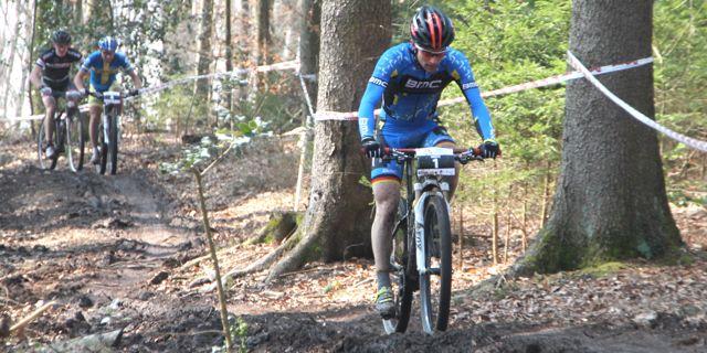 Moritz Milatz_Emil Lindgren_Markus Schulte-Luenzum_pumptrack_BadSaeckingen_acrossthecountry_mountainbike_xco_by Goller