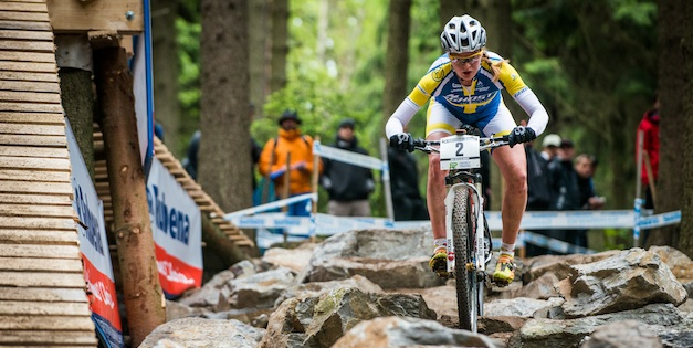 130526_CZE_NoveMesto_XC_Women_Engen_rocks_downhill_frontal_acrossthecountry_mountainbike_by_Maasewerd-