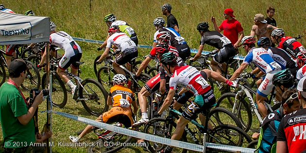 130615_ITA_ValDiSole_XC_Men_crash_by_Kuestenbrueck