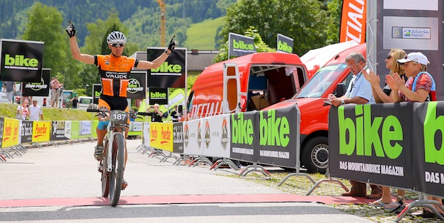 BikeFourPeaks_Winner_Jochen_Kaessacrossthecountry_mountainbike_by-Stephan_Ortwein-BIKE_Four_Peaks