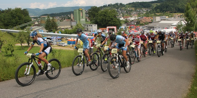 women_group_start_Graenichen_Neff_Morath_acrossthecountry_mountainbike