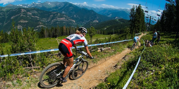 Bestes Weltcup-Ergebnis für Hanna Klein. Vor ihr Adelheid Morath auf dem Weg zum gelungenen Comeback. ©Marius Maasewerd/EGO-Promotion