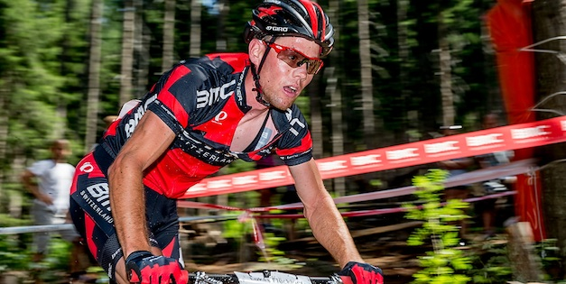 130804_SUI_Davos_XC_Men_FlueckigerL_sideview_close_acrossthecountry_mountainbike_by_Kuestenbrueck