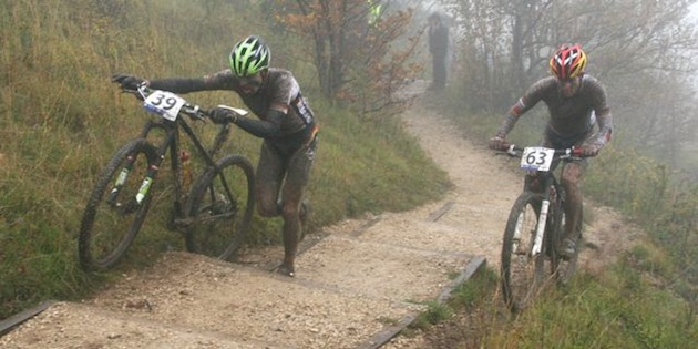 121007_FRA_Ornans_Jochen Kaess_Moritz Milatz_frog_stairs_acrossthecountry_mountainbike_xcm_by Goller