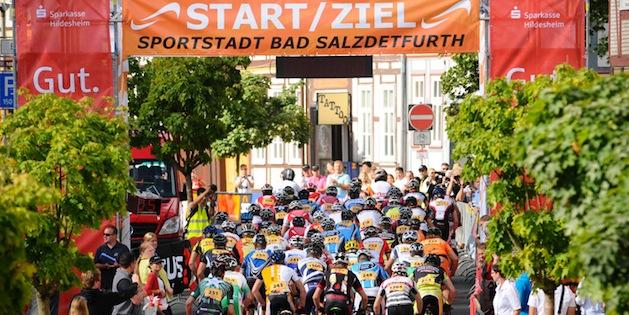 100718_GER_BadSalzdetfurth_XC_Men_Juniors_start_back_acrossthecountry_mountainbike_by_Maasewerd
