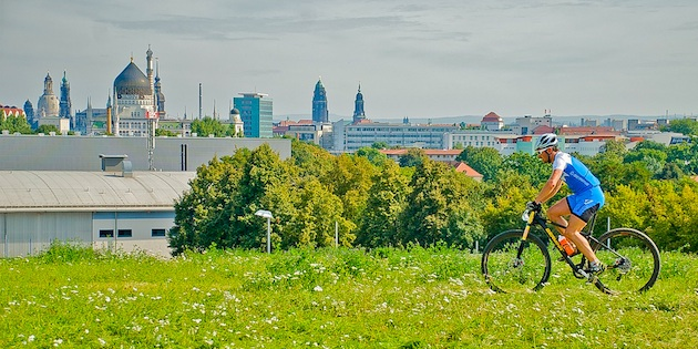 110904_GER_Dresden_XC_Men_Tann_SkylineOfDresden_acrossthecountry_mountainbike_by_Hofmann