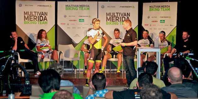 Julian Schelb_front_interview_Merida Mallorca_praesentation_buehne_acrossthecountry_mountainbike_by Goller