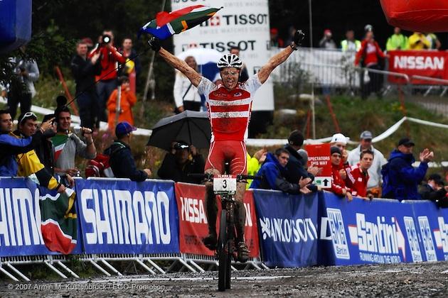070907_fortwilliam_xc_u23m_fuglsang_winning_spectators_acrossthecountry_mountainbike_by-Kuestenbrueck