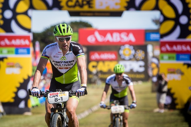 130317_rsa_capetown_capeepic_prologue_hemrida_vanhouts_finishing_by_cerveny_acrossthecountry_mountainbike