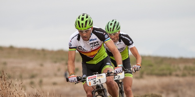 Hermida_van-Houts_CapeEpic_prolog_acrossthecountry_mountainbike_by-Sportzpics