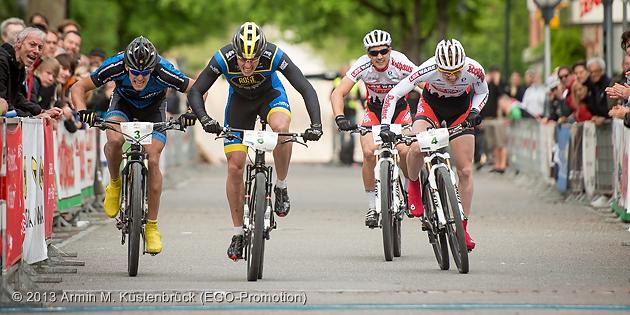 130511_GER_Singen_DM_XCE_men_bigfinal_Eyring_Gegenheimer_Pfaeffle_sprinting_by_Kuestenbrueck