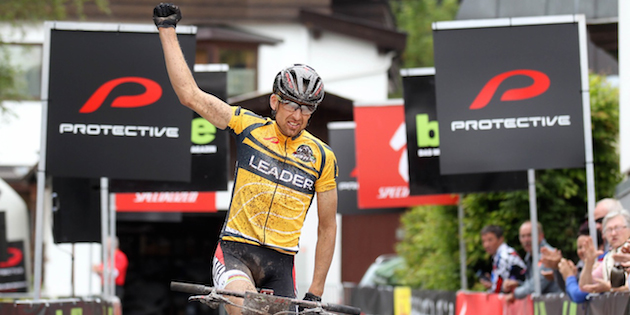 christoph-sauser-sui-wins_by-henning-angerer