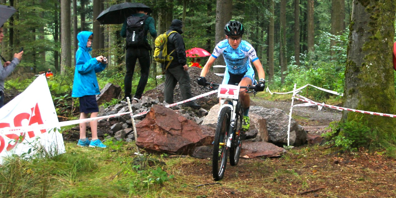 Adelheid-Morath_rocks_DM14_DamenU23w_GTSS14_acrossthecountry_mountainbike_by-Goller