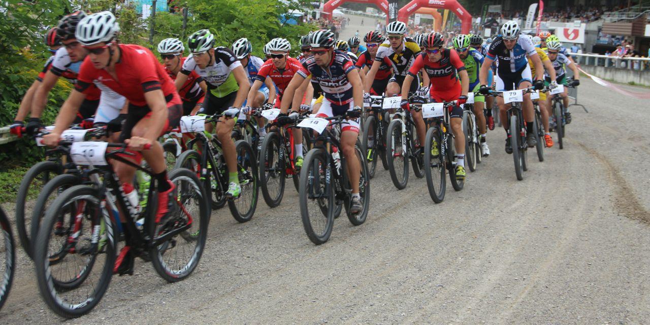 Feld_kurve_start_BRC14_Muttenz_Herren_acrossthecountry_mountainbike_by-Golle