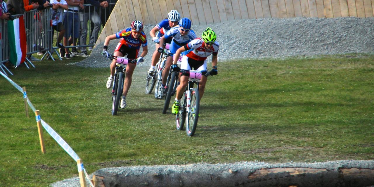 Indergand_1_Hediger_9_Viertelfinale_WC14_Meribel_acrossthecountry_mountainbike_by Goller