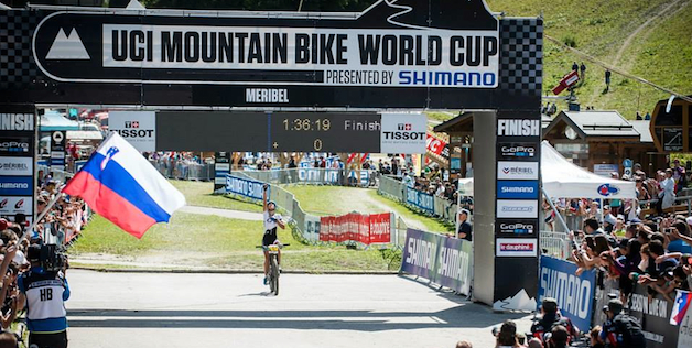 Jolanda-Neff_Geste_Finish_WC14_Meribel_acrossthecountry_mountainbike_by-Maasewerd.