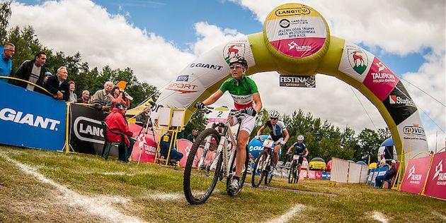Eva-Lechner_Maja-Wloszczowska_Jelenia-Gora-Trophy_acrossthecountry_mountainbike_by-Szymon-Gruchalski