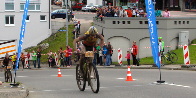 Simon-Stiebjahn_Markus-Kaufmann_sprint_messstetten_STZ14_Etappe2_acrossthecountry_mountainbike_by-Goller-073