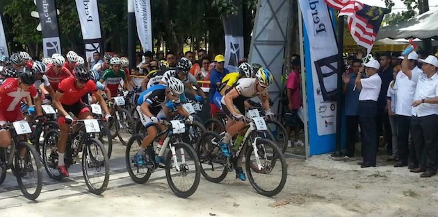 LIMBC14_Start_Short-Race_men_acrossthecountry_mountainbike-by LIMBC