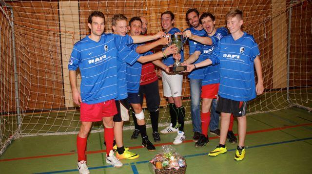 Soccercup14_winner_Ballkunstensemble_celebrating_by-Goll