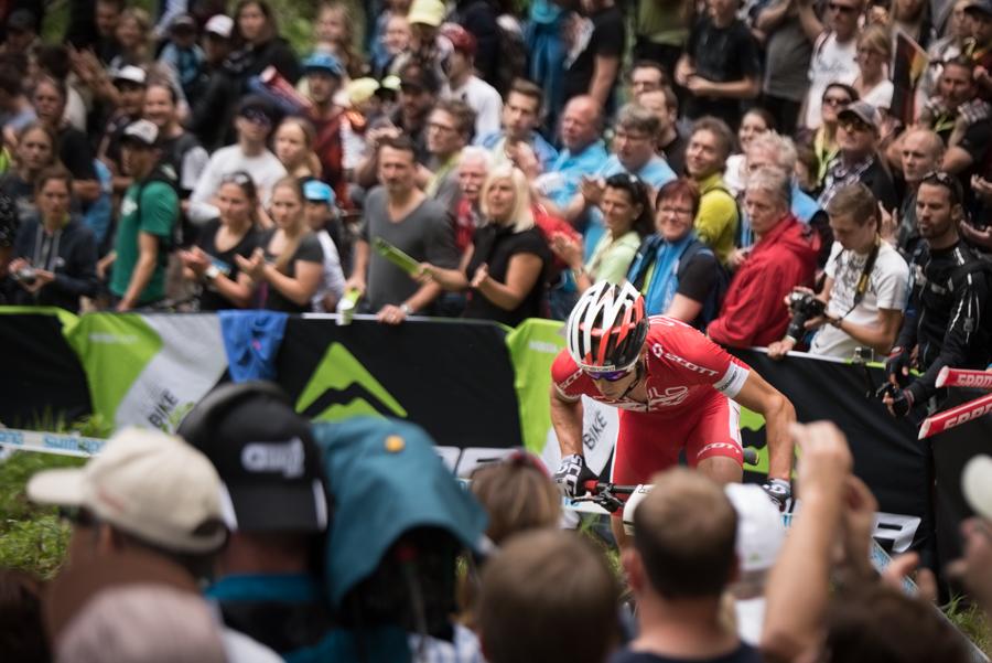 Nino Schurter im Aufstieg Shimano Climb. Foto: Lynn Sigel