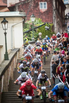 Prag-Stairs_Feld_treppen_downhill_acrossthecountry_mountainbike_by-Cerven