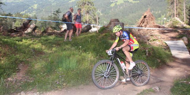 Lars Forster_sideview_WC15_Lenzerheide_U23Herren_by Goller
