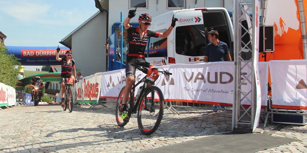 Geismayr_winning_Kaufmann_Trans-Schwarzwald15_Etappe2_by Goller