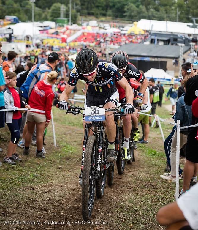 Milatz_uphill_fighting_acrossthecountry_mountainbike_by-Kuestenbrueck