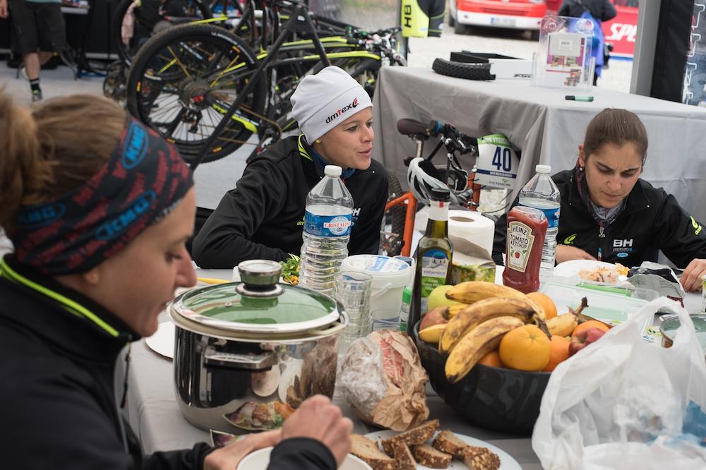 Morath_Klein_Clauzel_feeding_KMC_by-Lynn-Sigel