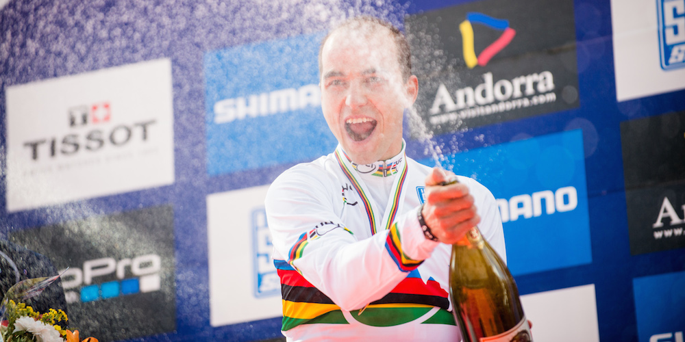 Nino Schurter_champagne_vallnord_WM12_acrossthecountry_mountainbike