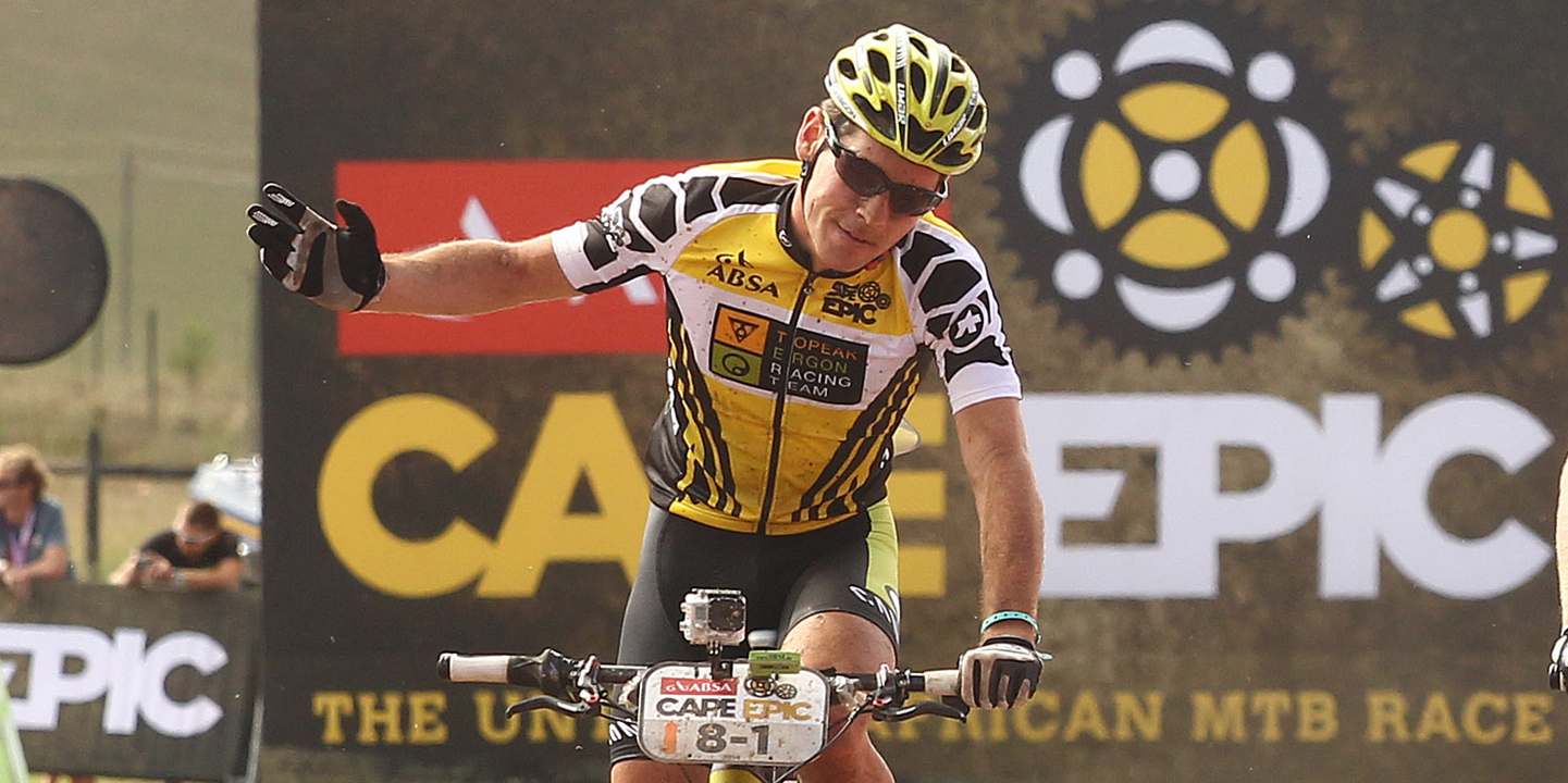 Robert_Mennen_Cape Epic_waving_by Shaun Ro