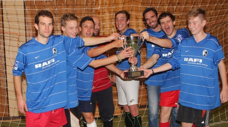Soccercup14_winner_Ballkunstensemble_celebrating_acrossthecountry_mountainbike_by Golle