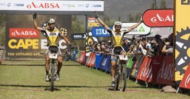 Urs Huber und Karl Platt_finish_by Andy Eyring/RTI Sports