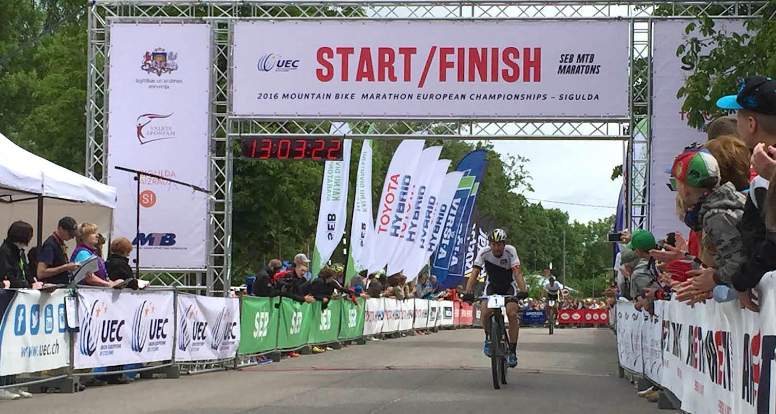 Huber_Lakata_Marathon-EM16_Sigulda_finish_by Team Bulls.