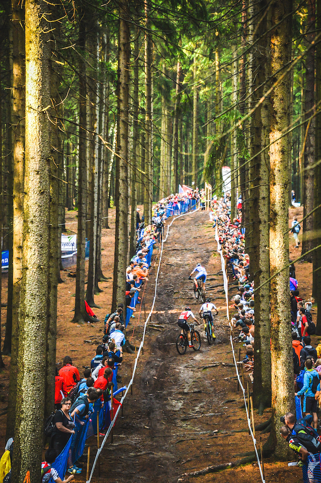 uphill_Kulhavy_Zwiehoff_Forster_WM16_NoveMesto_Team_by-Traian-Olinici
