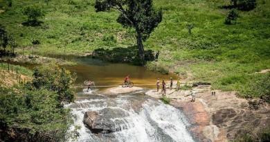 Kaess_Geismayr_waterfall_BrasilRide_by Kuestenbrueck