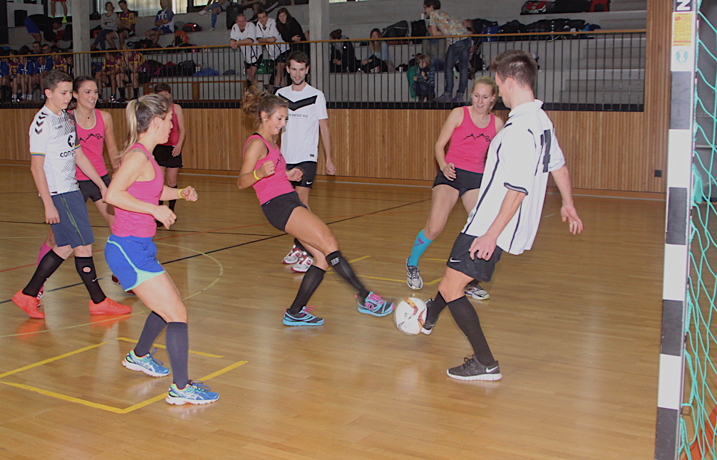 Fussball_Ballett_Soccergirls_Soccercup16_by-Goller