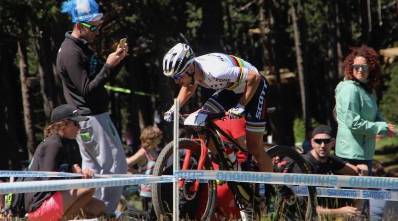 Nino-Schurter_WC17_Andorra_men_by-Goller